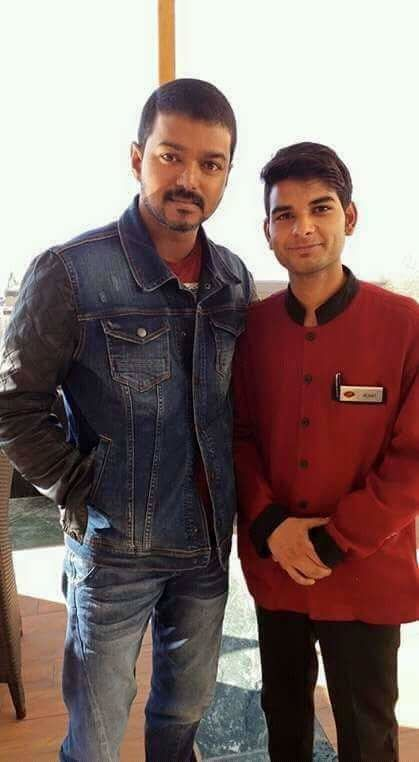 VIJAY NEW GETUP in THERI !!!
