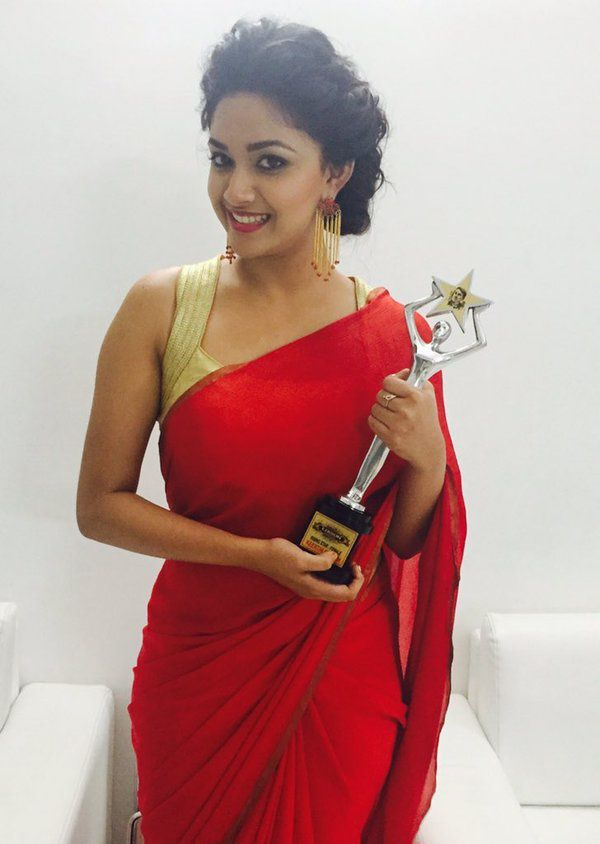 KEERTHY SURESH WIN RISING STAR AWARD !