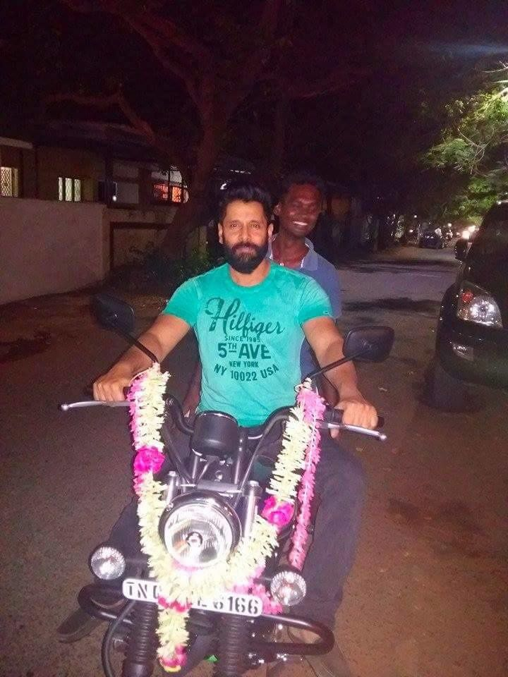 VIKRAM LATEST PHOTOS !