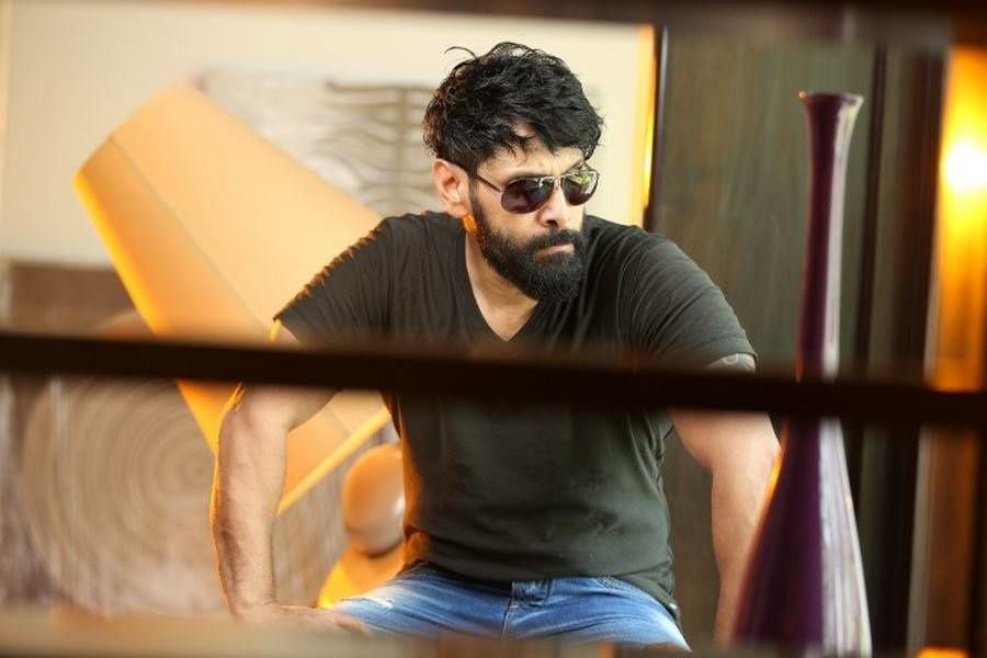 VIKRAM in IRUMUGAN !
