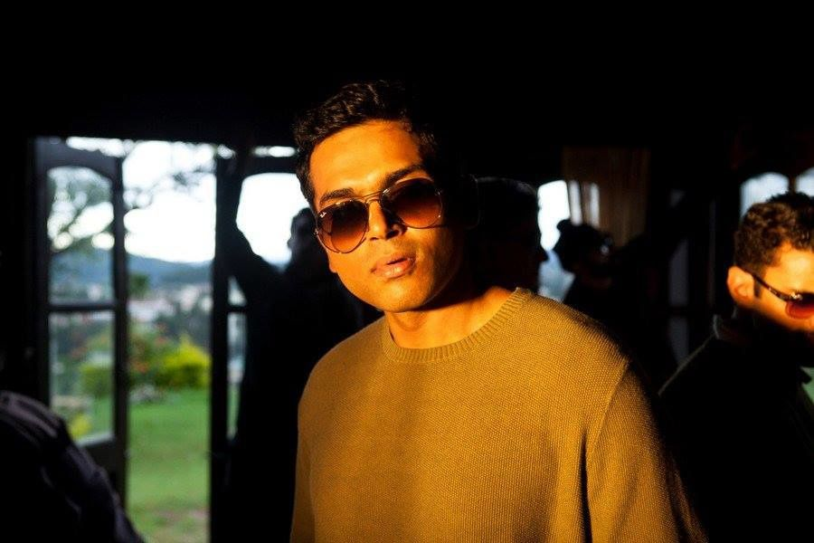 KAATRU VELIYIDAI NEW PHOTOS