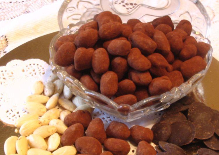 CHOCOLATS DE NOEL : LES AMANDES AU CHOCOLAT