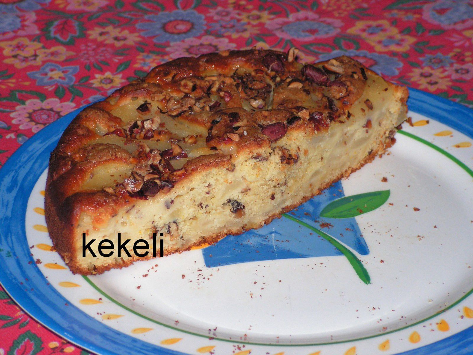 Gâteau poire-noisettes