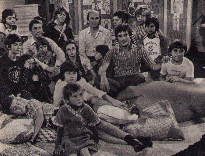 Au milieu des enfants, Soizic CORNE, Claude RUBEN et Patrick SABATIER