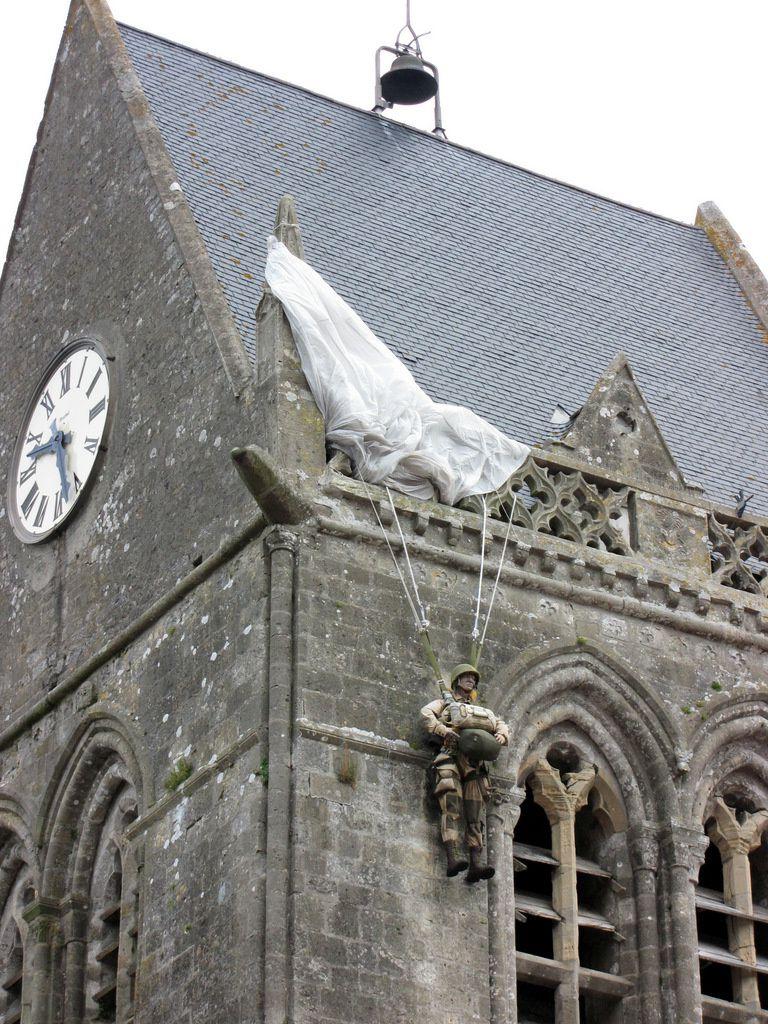 Le parachutiste de Sainte-Mère-Eglise