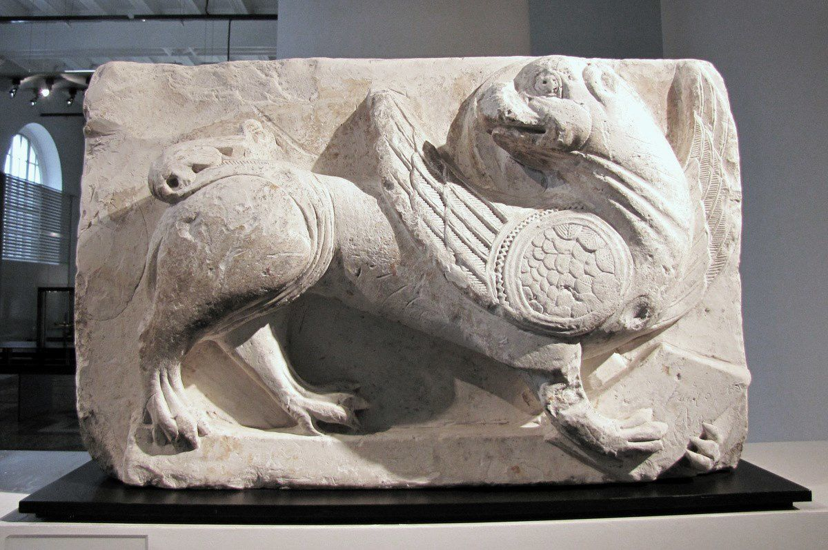 Relief au lion, musée de Picardie