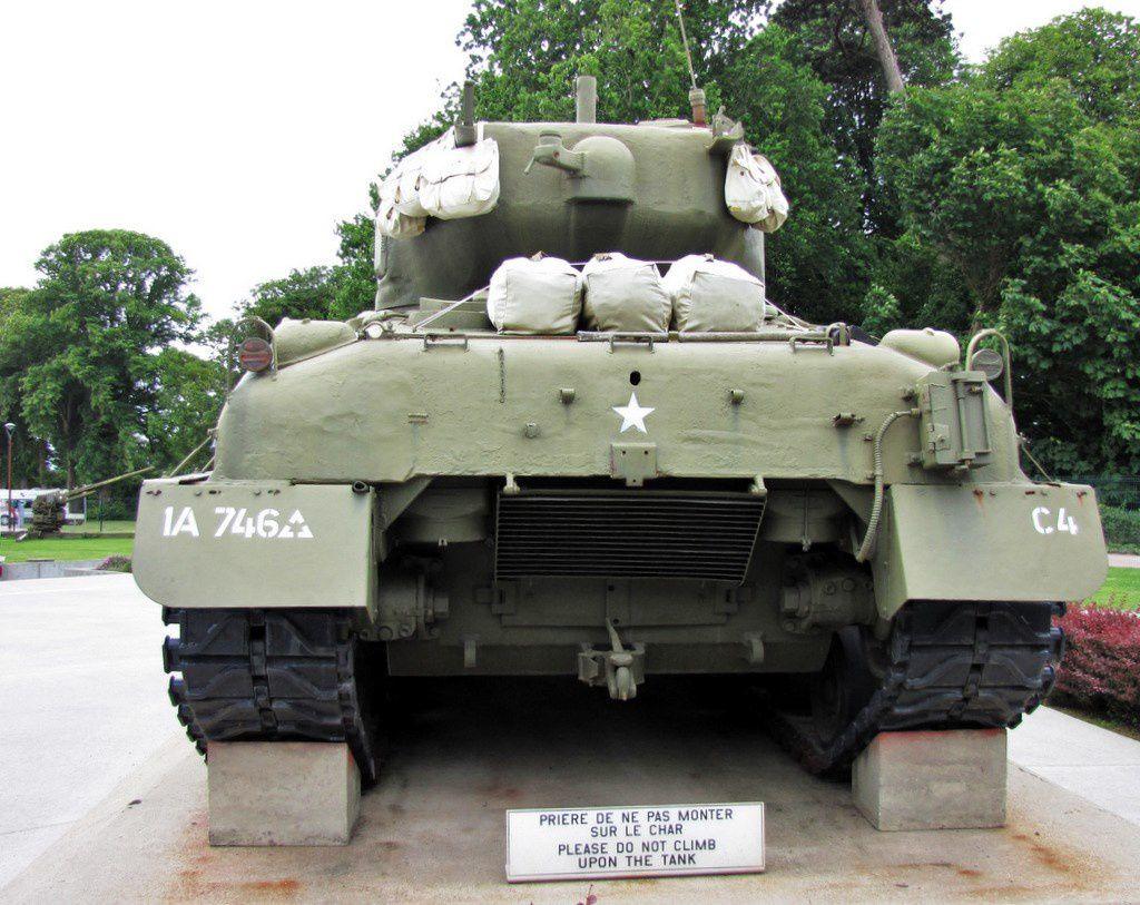 Char moyen Sherman M4-A3-E8, musée Airborne