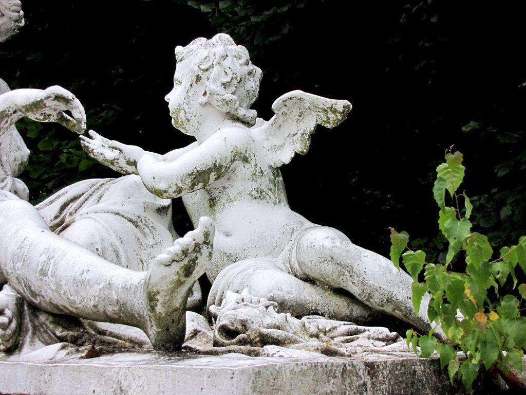 Une Nymphe d'Etienne Le Hongre, château de Franconville