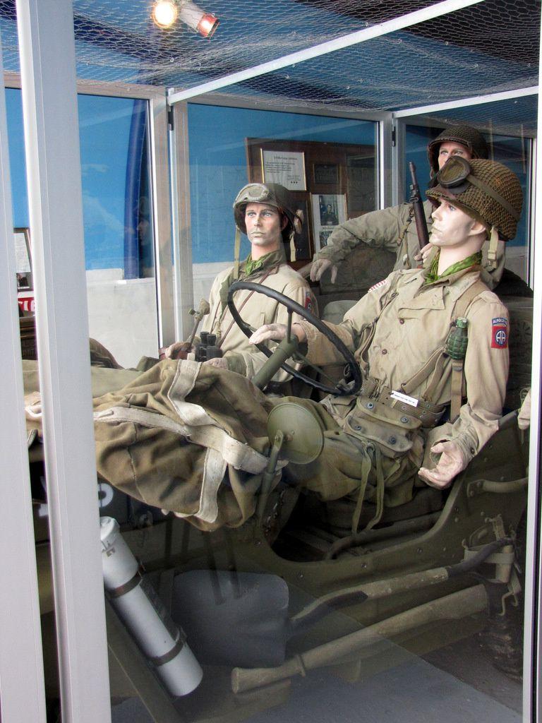Véhicule jeep, musée Airborne