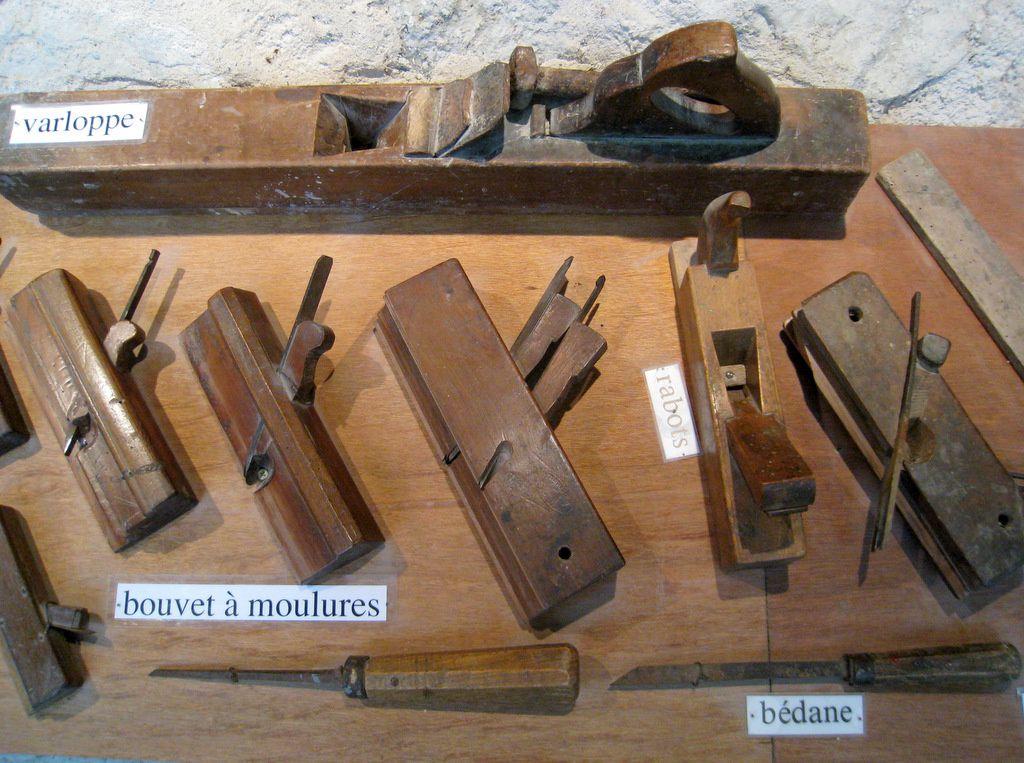 outils pour travailler le bois 1 2 abbaye de boscodon le blog de cbx41. Black Bedroom Furniture Sets. Home Design Ideas