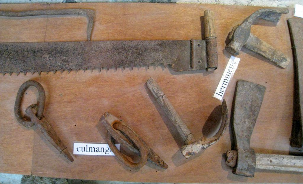 outils pour travailler le bois 2 2 abbaye de boscodon le blog de cbx41. Black Bedroom Furniture Sets. Home Design Ideas