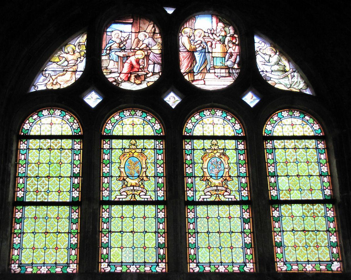 Vitrail 'La Sainte Famille', église Notre-Dame de Pontoise