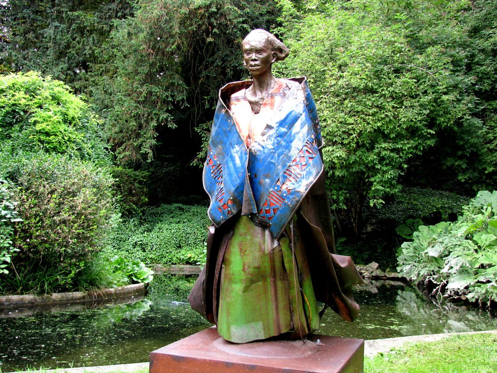 Aïna, sculpture d'Emmanuel Michel