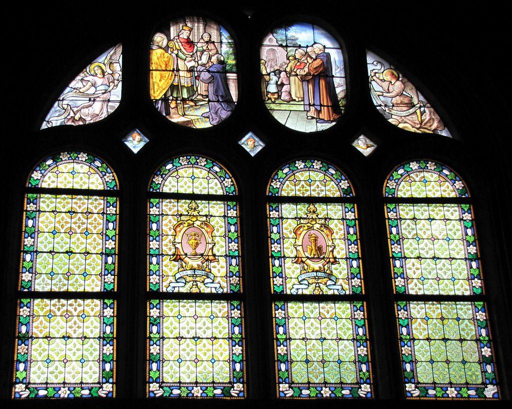 Vitrail &quot&#x3B; Création de la paroisse de Pontoise &quot&#x3B;