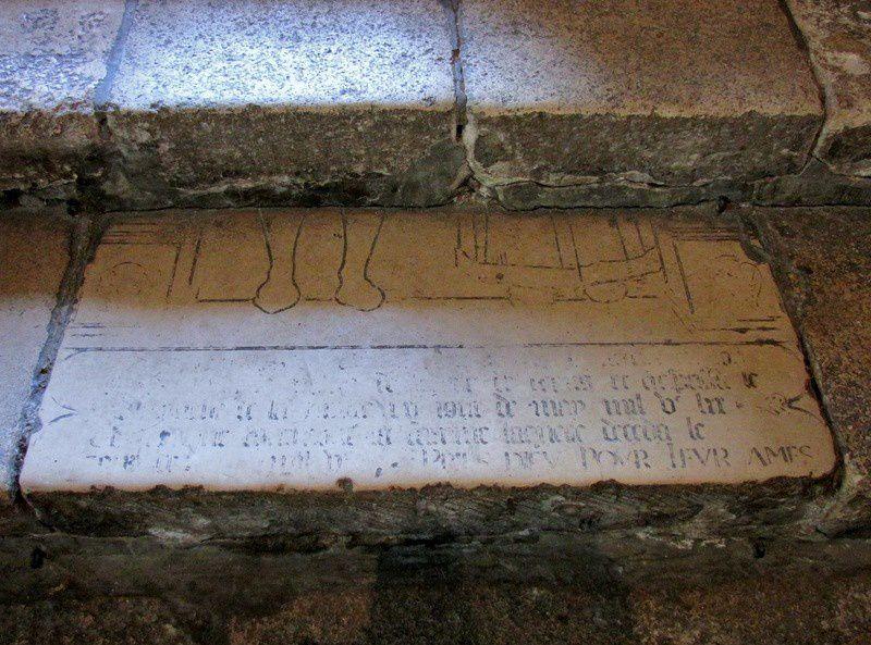 Dalles gravées et ex-voto, église Notre-Dame de Pontoise