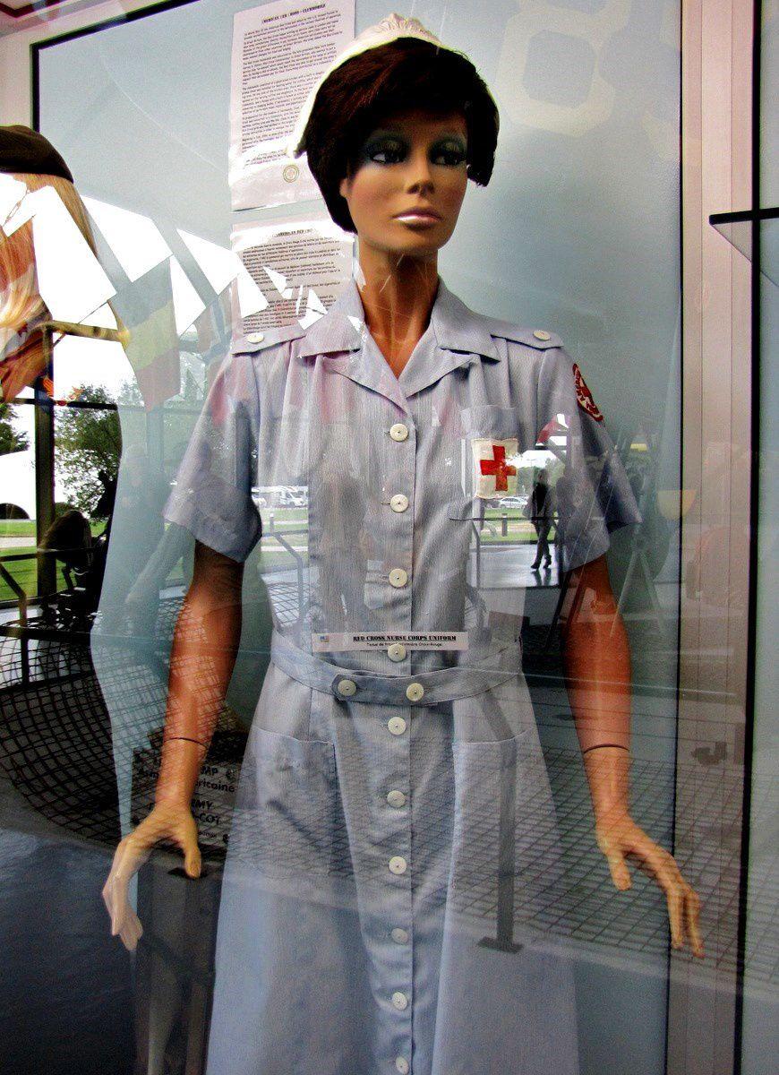 Tenue d'infirmière Croix Rouge, musée Airborne