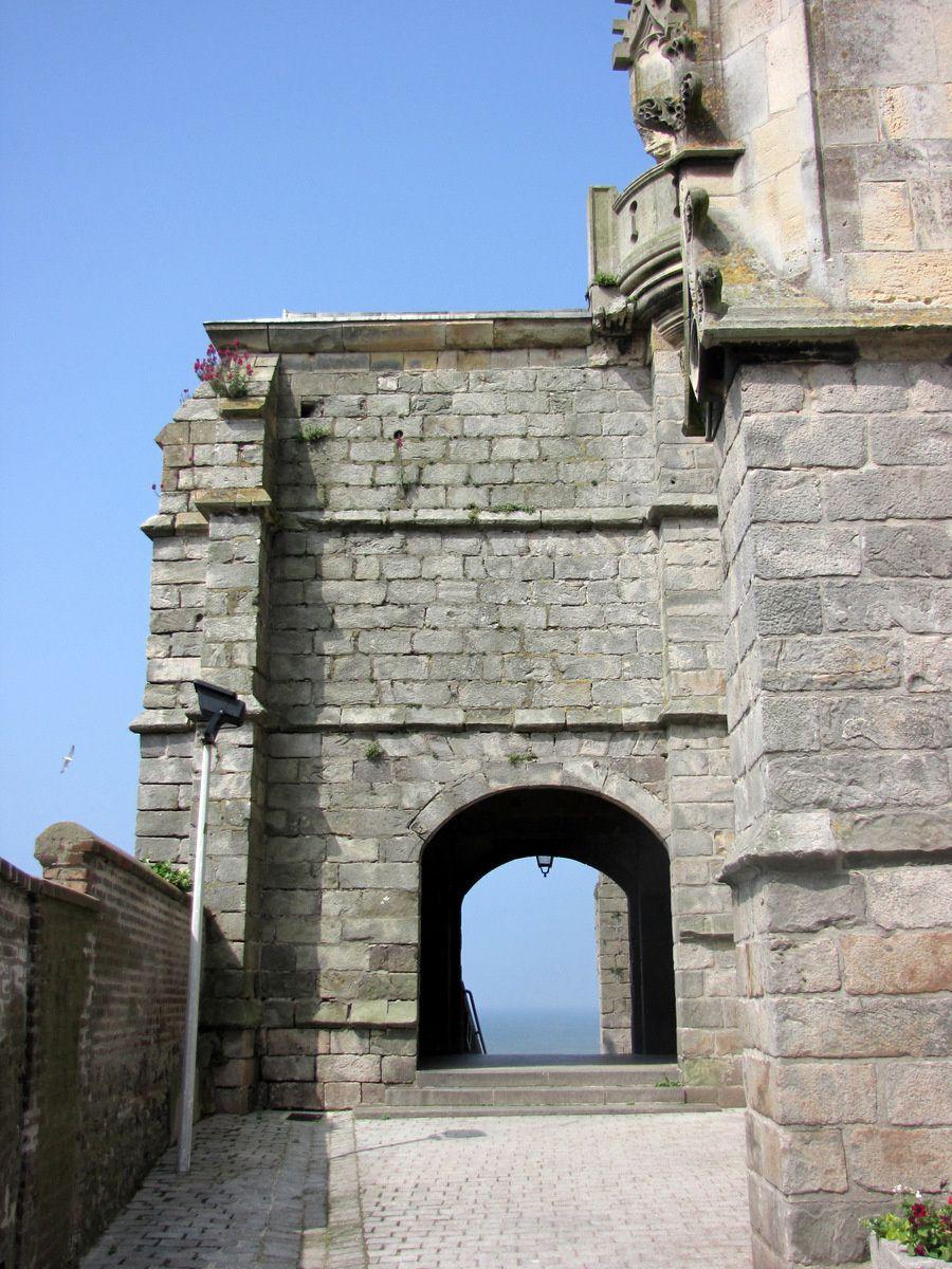L'église Saint Jacques (le Majeur) du Tréport, le portail protégé