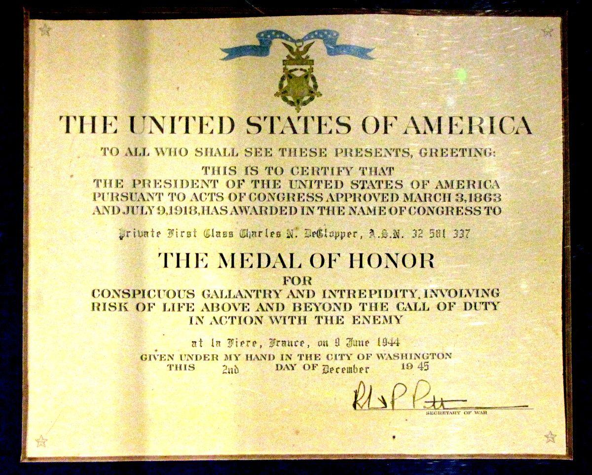 Généraux Matthew B. Ridgway, James M. Gavin, Soldat Charles DeGlopper