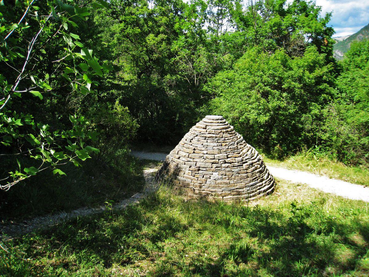 Le sentier des Cairns, Musée Promenade / Réserve Géologique