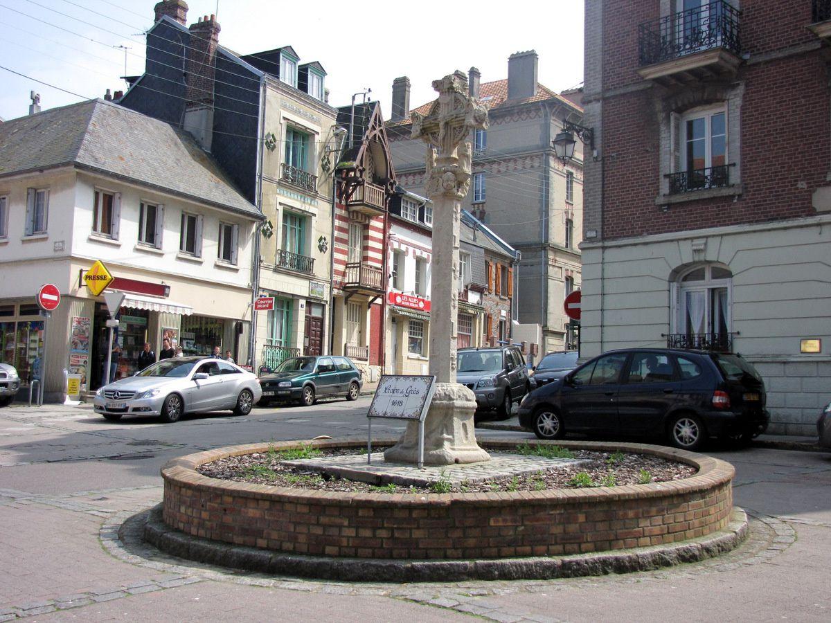 La Croix de pierre, Le Tréport