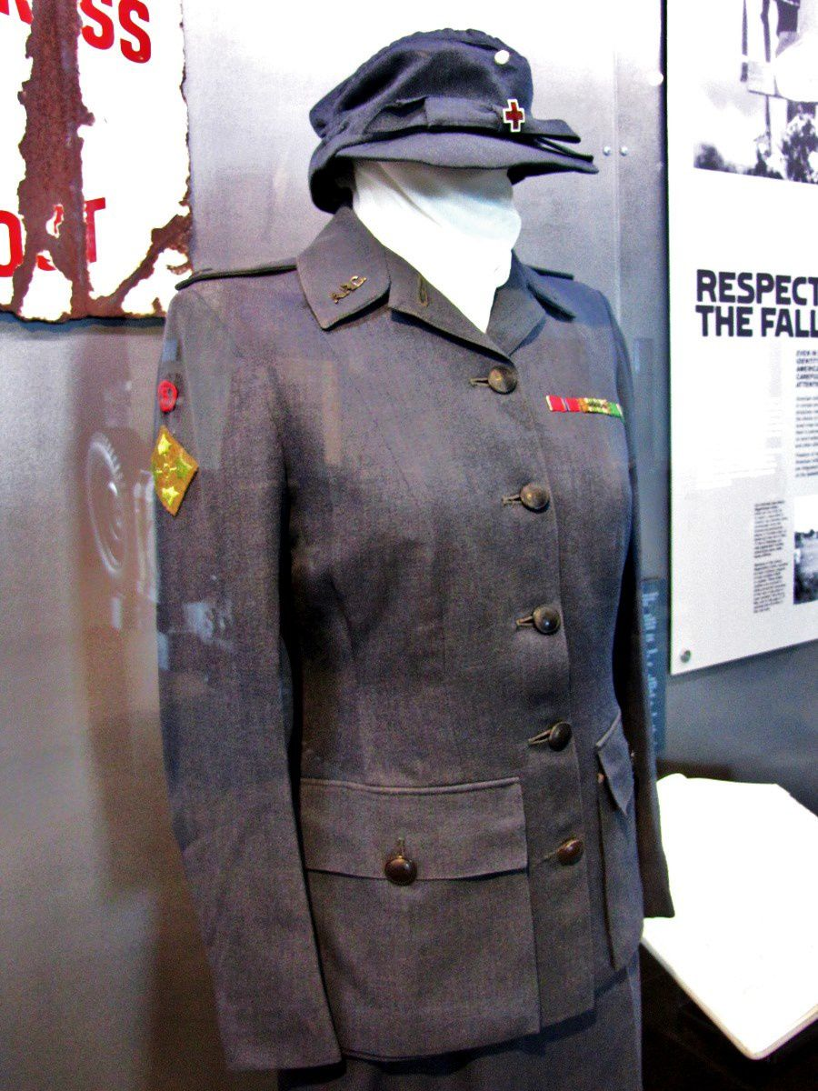 Uniforme de capitaine de la Croix Rouge US