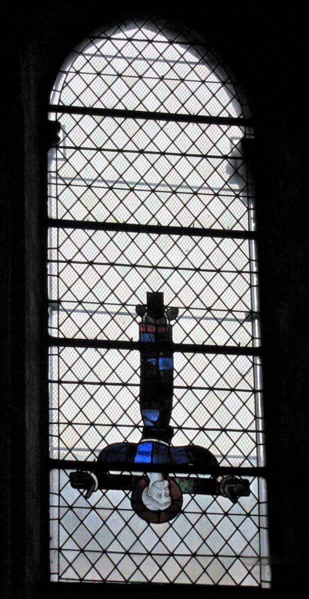 Vitrail &quot&#x3B;Saint Pierre&quot&#x3B;, cathédrale de Lisieux