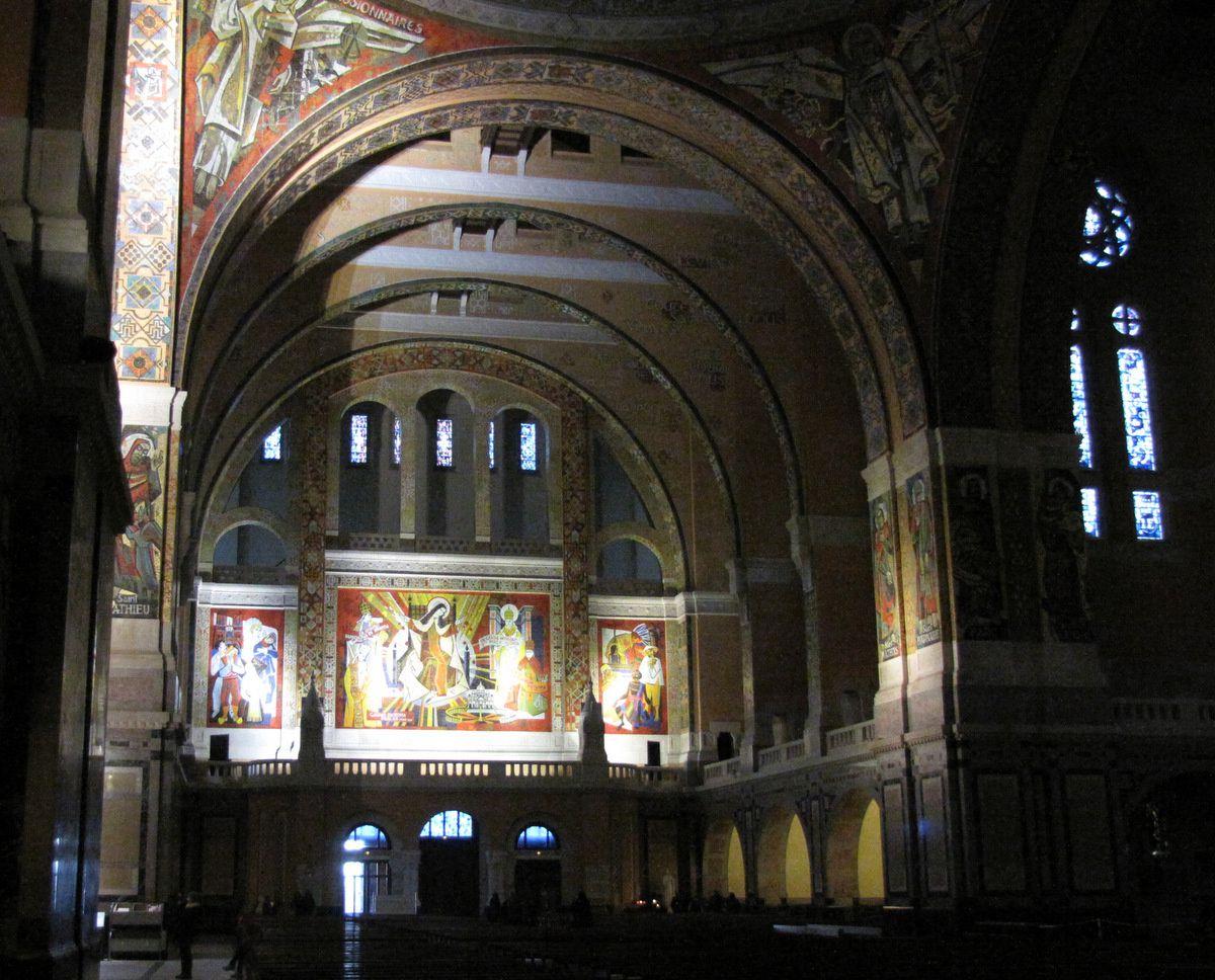 Basilique de Lisieux, mosaïques