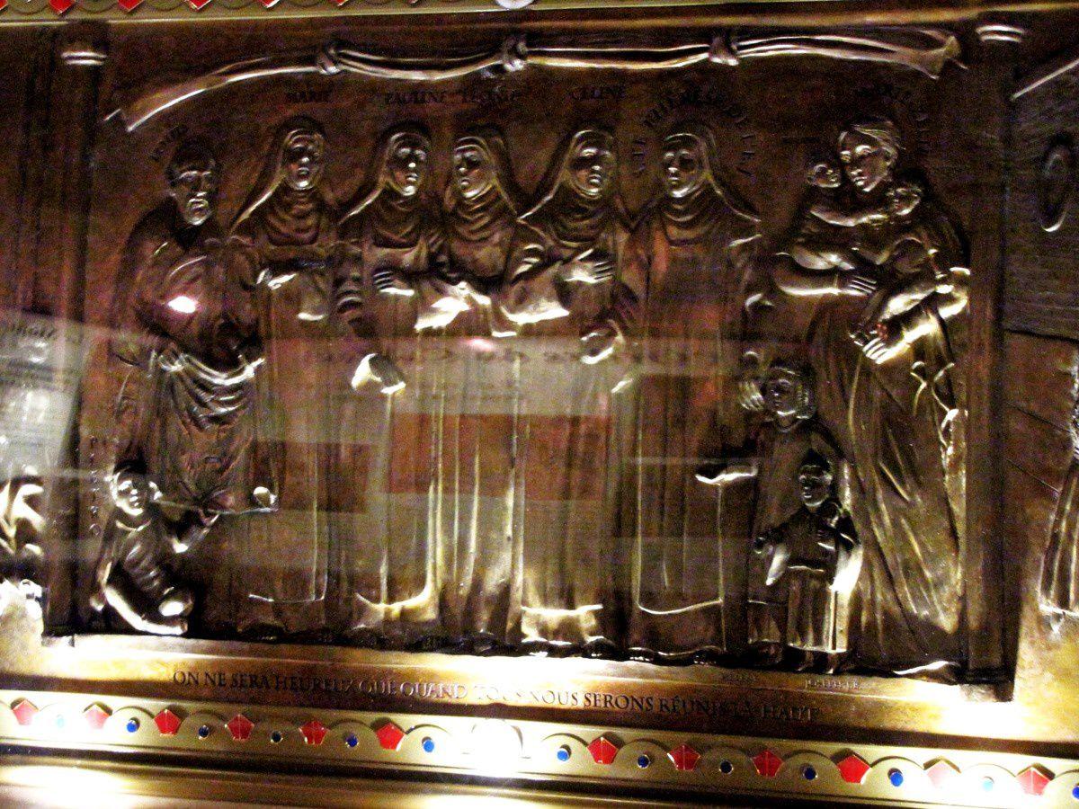 Reliquaire des Bienheureux Louis et Zélie Martin, crypte de la basilique de Lisieux,