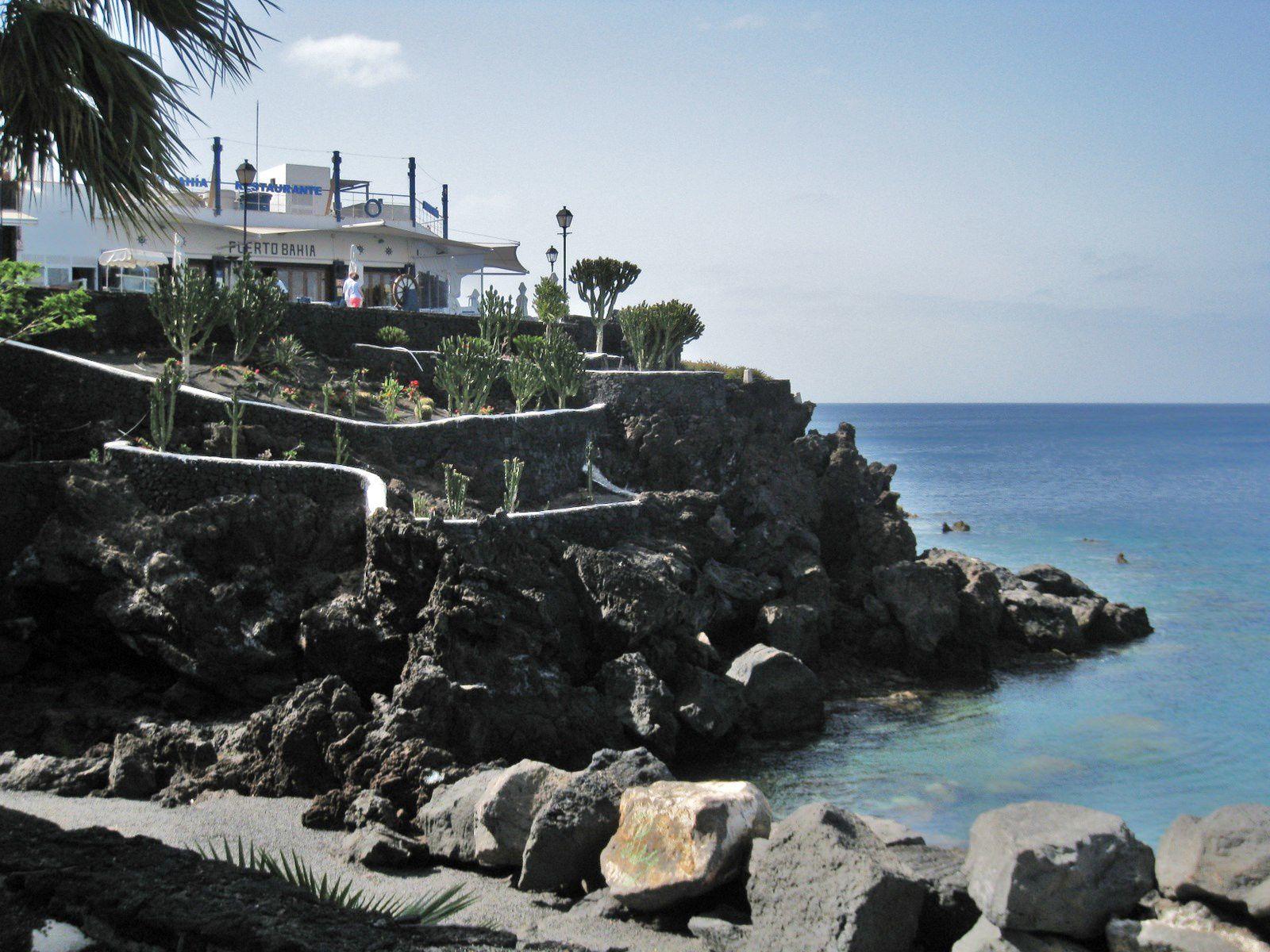 Vers le port de Puerto del Carmen, île de Lanzarote