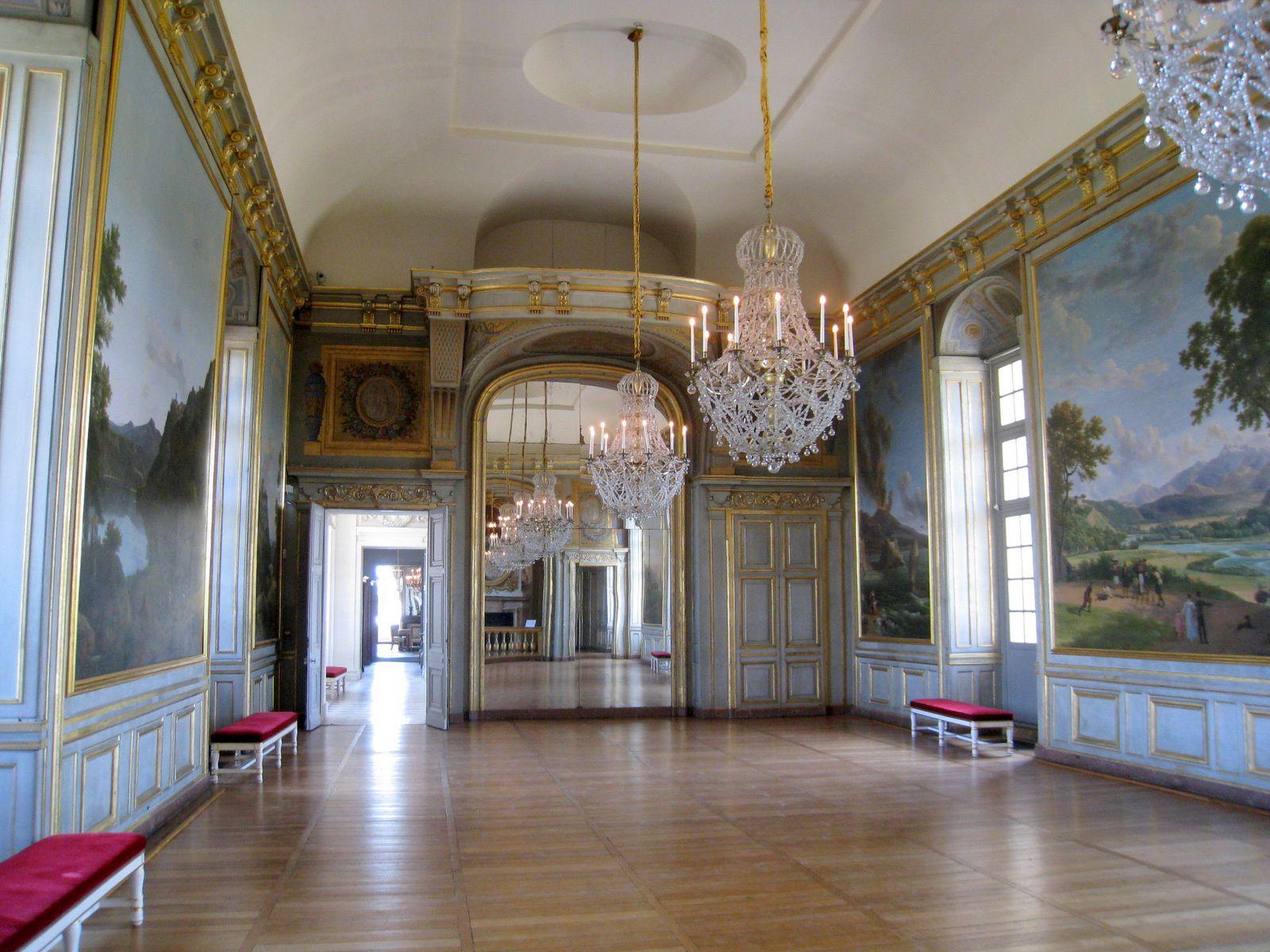 Les panneaux décorant la Grande Salle du château de Maisons-Laffitte