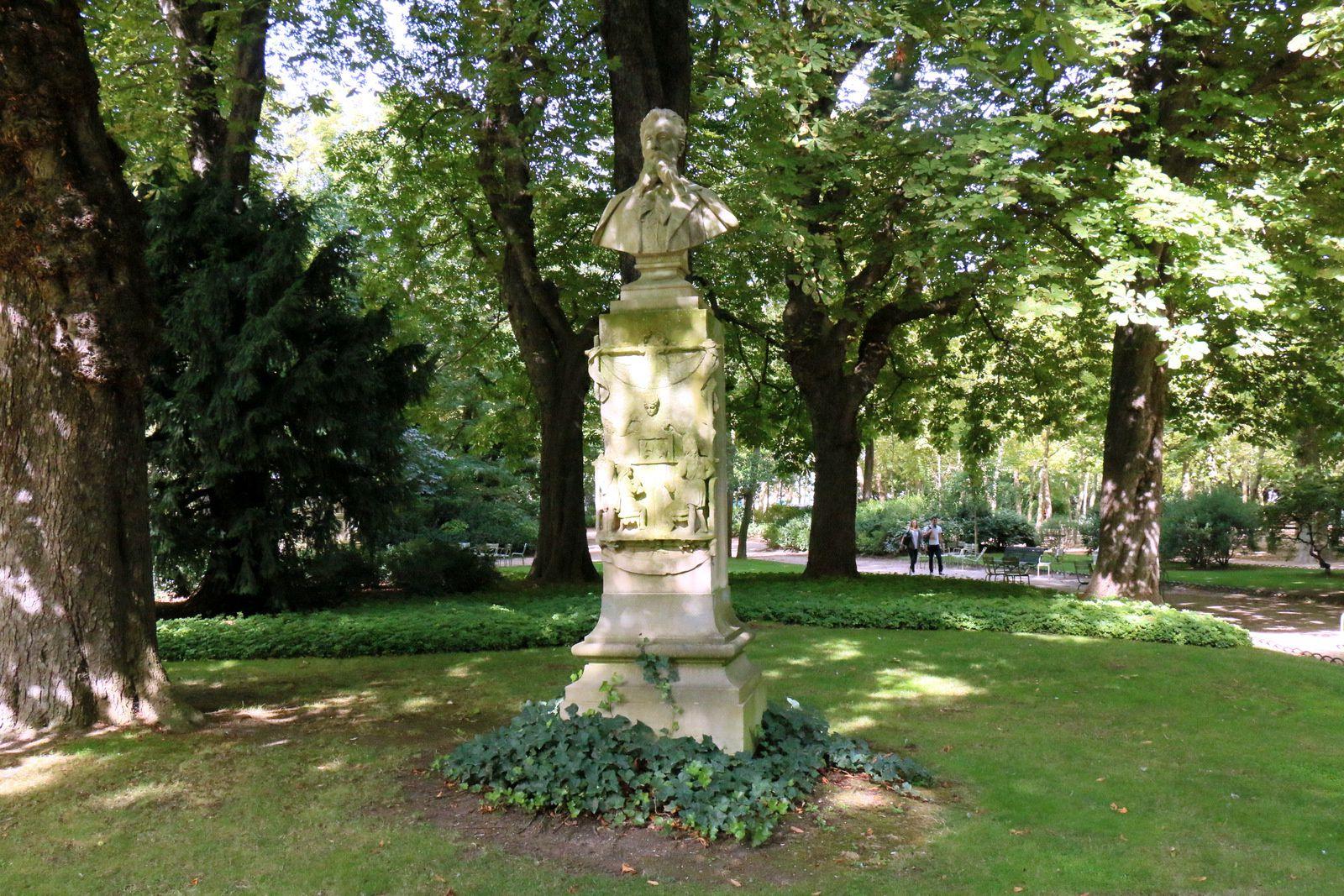 Buste de Louis Ratisbonne par Emile Soldi, jardin du Luxembourg