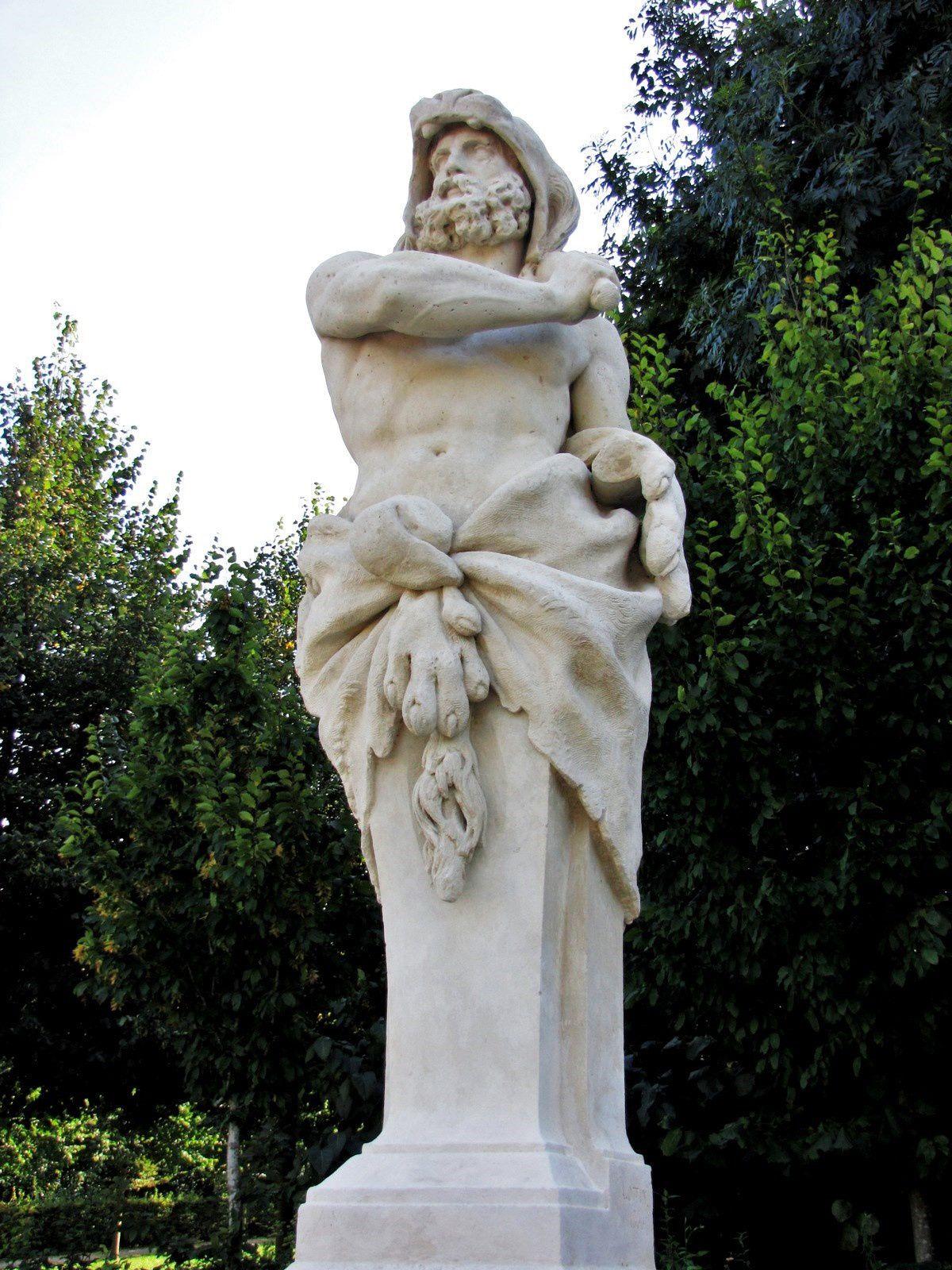 Statue d'Hercule, parc de Saint-Cloud