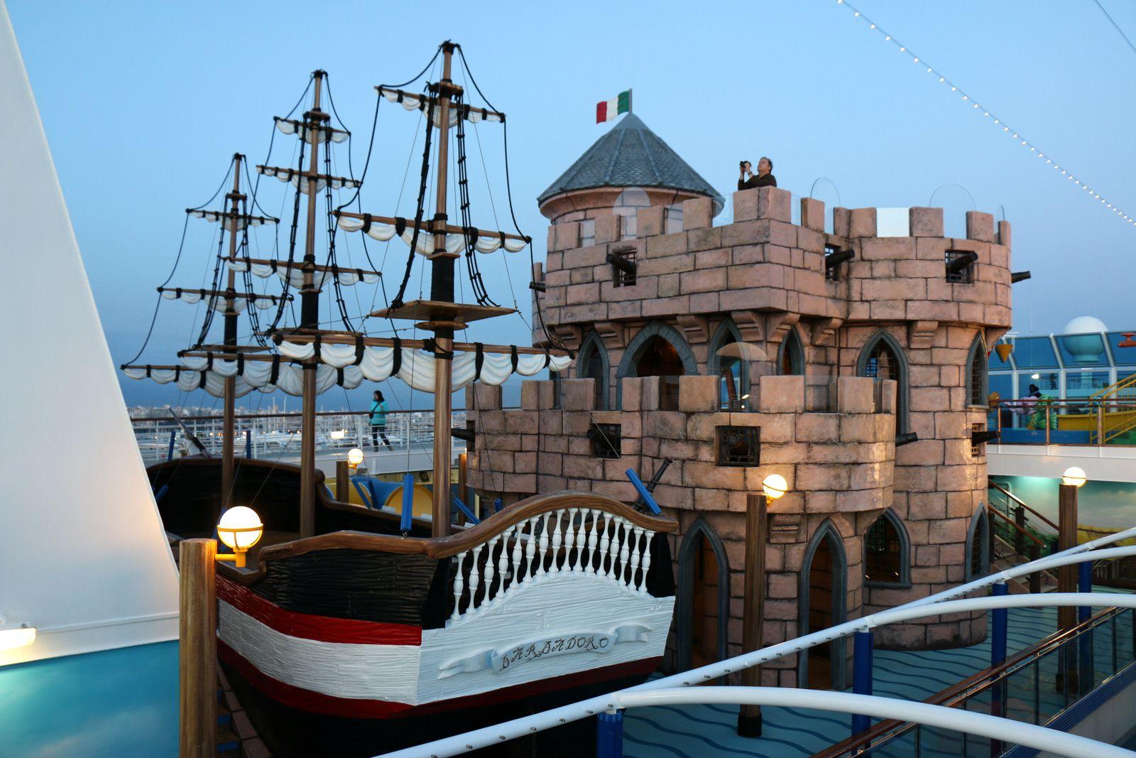 A bord du Costa Diadema, le galion et le château-fort