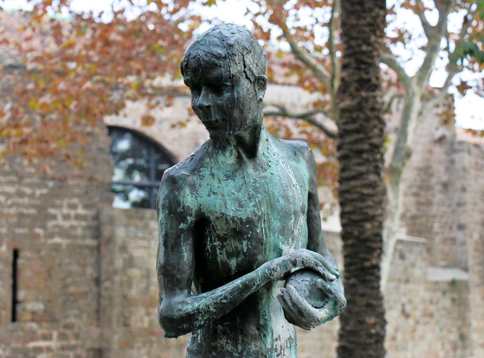 Le lanceur de poids, statue à Barcelone