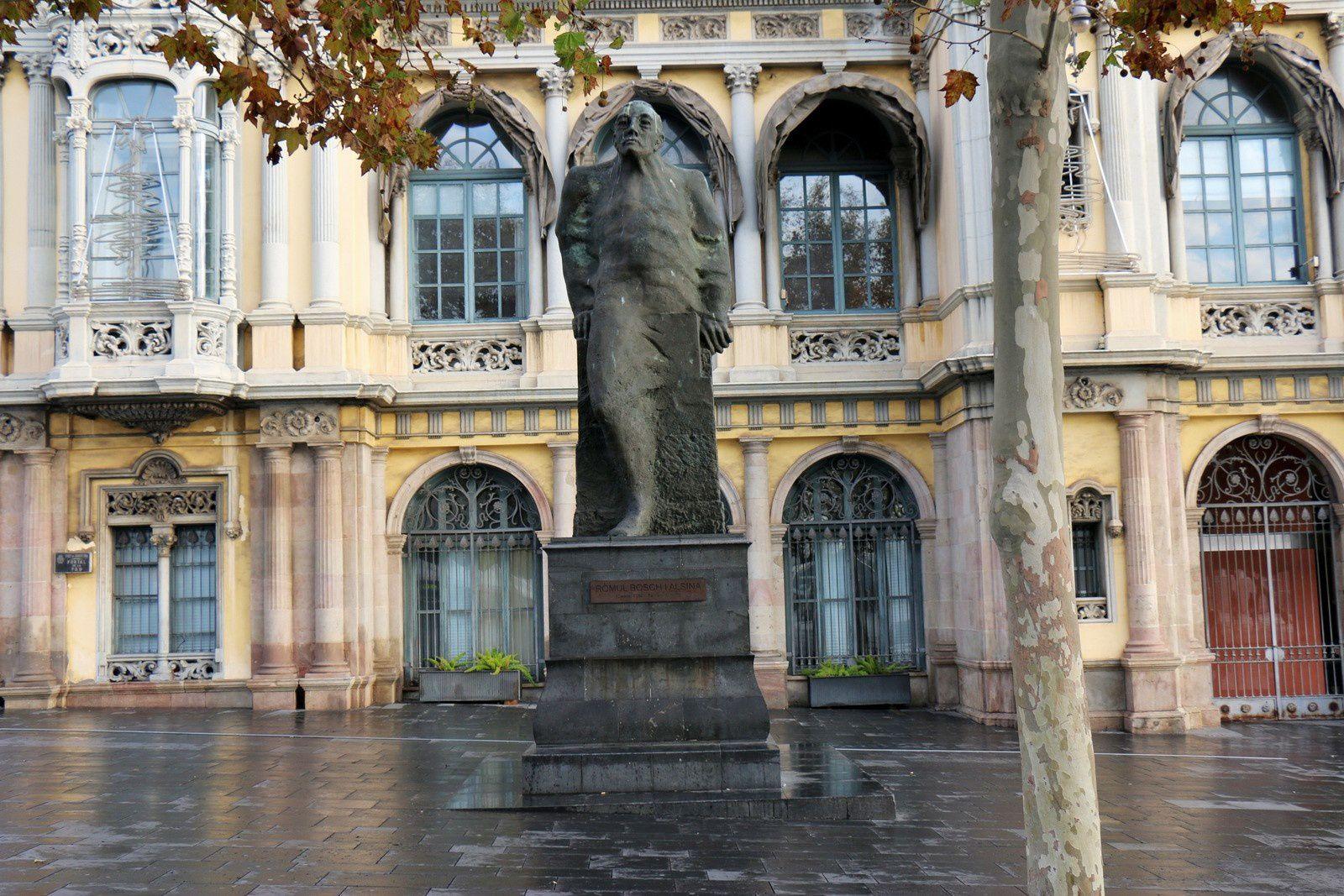 Statue de Romul Bosch i Alsina, Barcelone