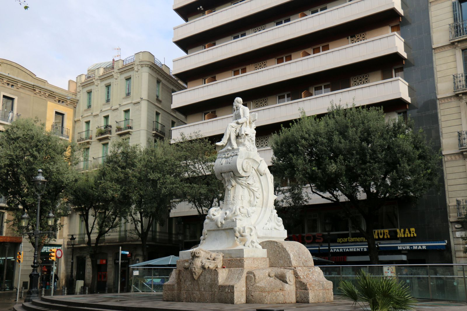Monument à Frederich Soler, Barcelone