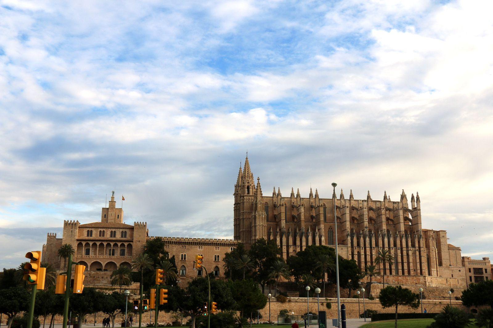 Cathédrale de Palma de Majorque et palais de l'Almudaina