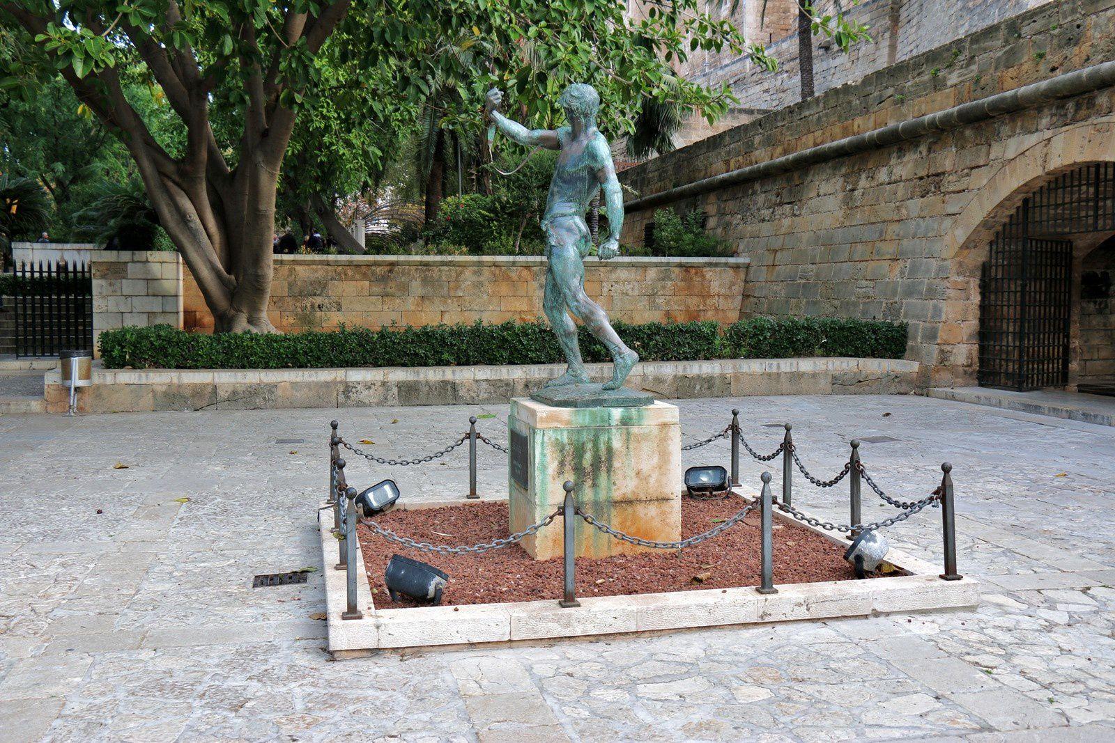 Es Fonner (sculpture de Lorenzo Rossello), Palma de Majorque