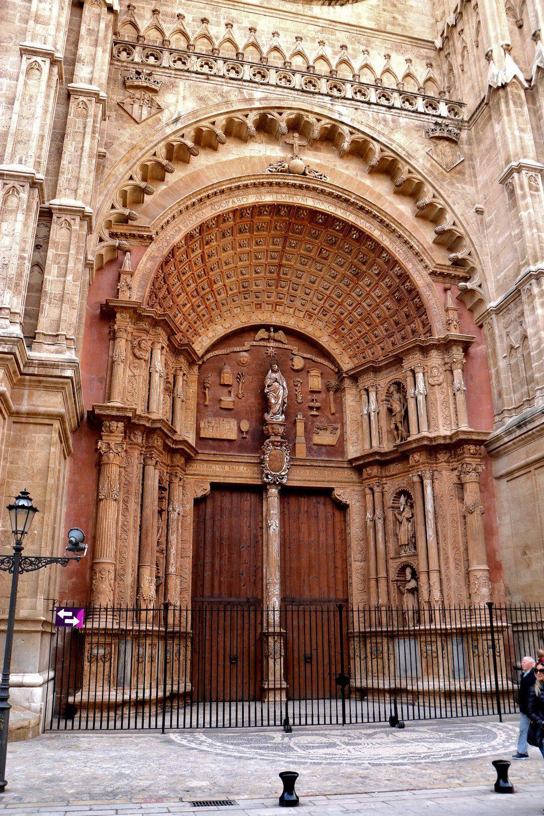 Portail principal de la cathédrale de Palma de Majorque