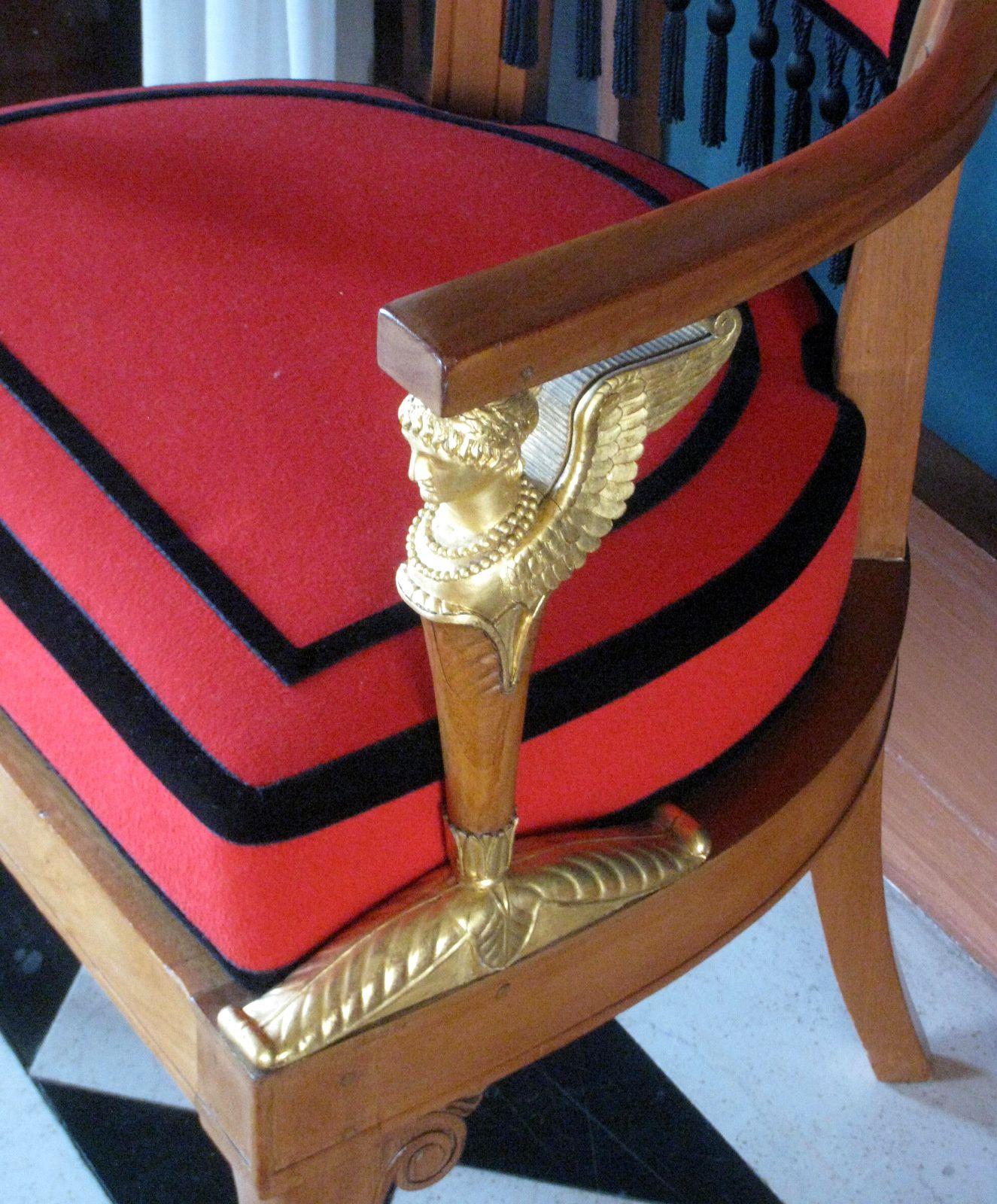 Canapés et fauteuils du salon de musique du château de Malmaison