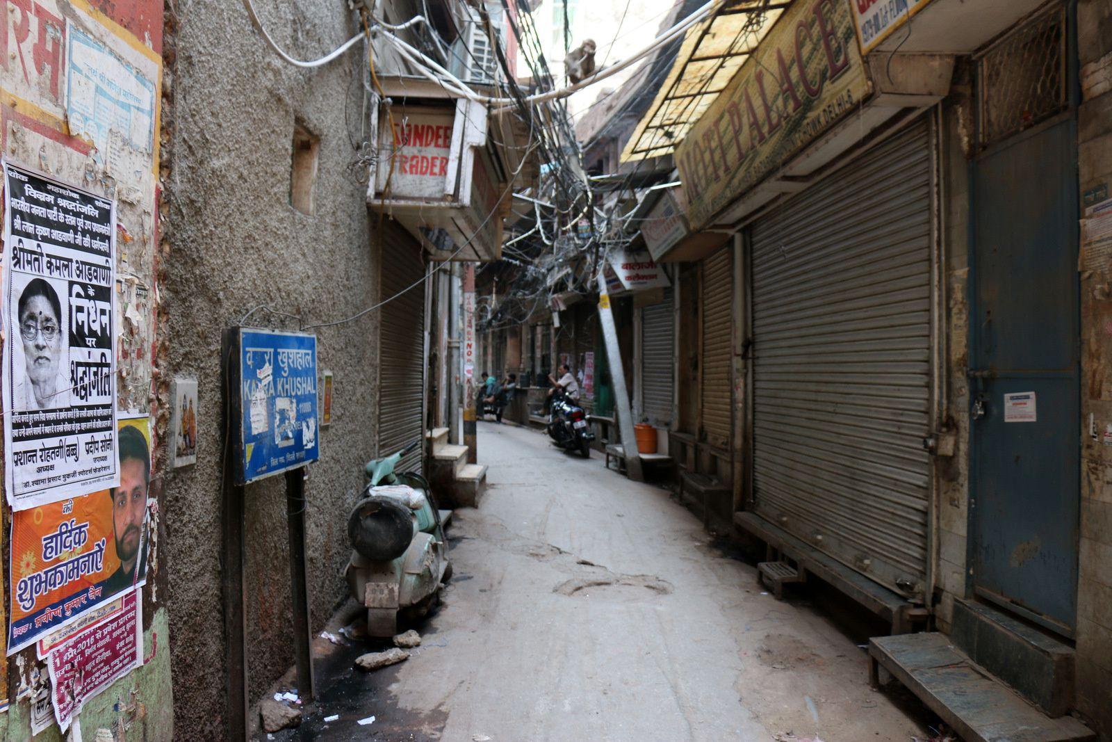 Dans les rues de Delhi, transports