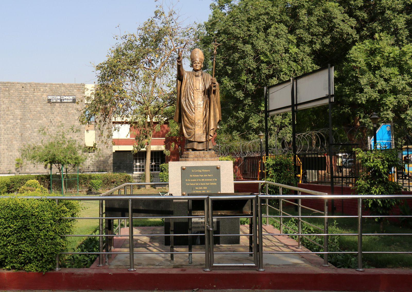 Statue du pape Jean-Paul II, Delhi (Inde)