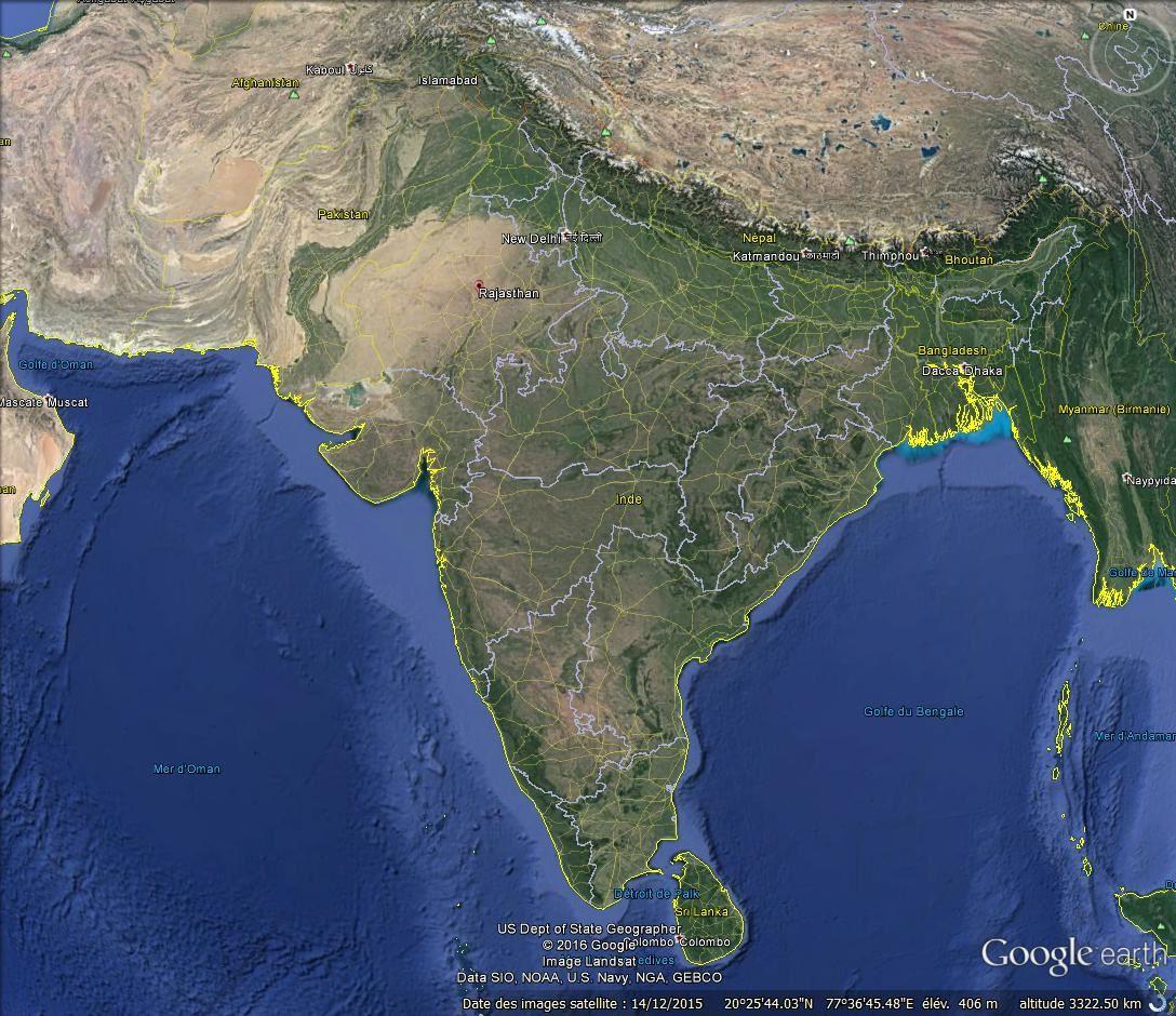 Hanumân  (le Dieu-singe) sur la route de Delhi à Mandawa, Rajasthan (Inde)