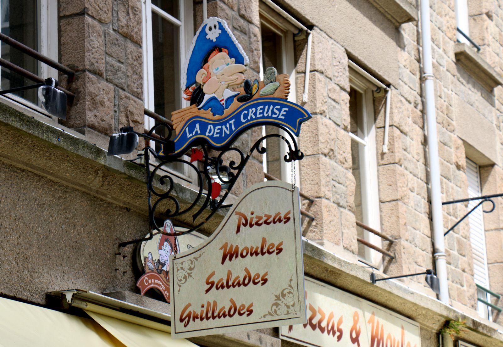 La place de la poissonnerie, Saint-Malo