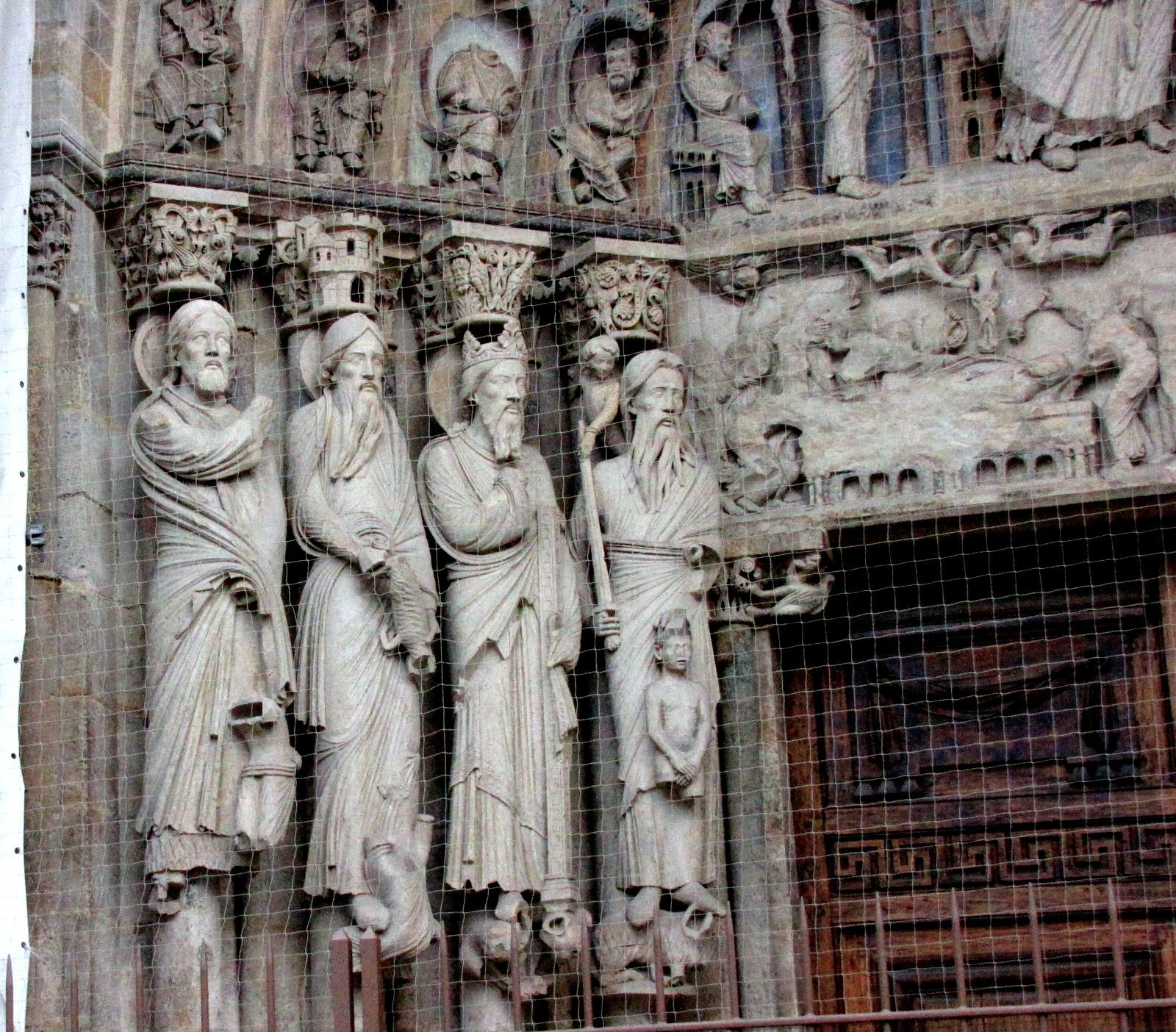 La cathédrale de Senlis, la façade occidentale