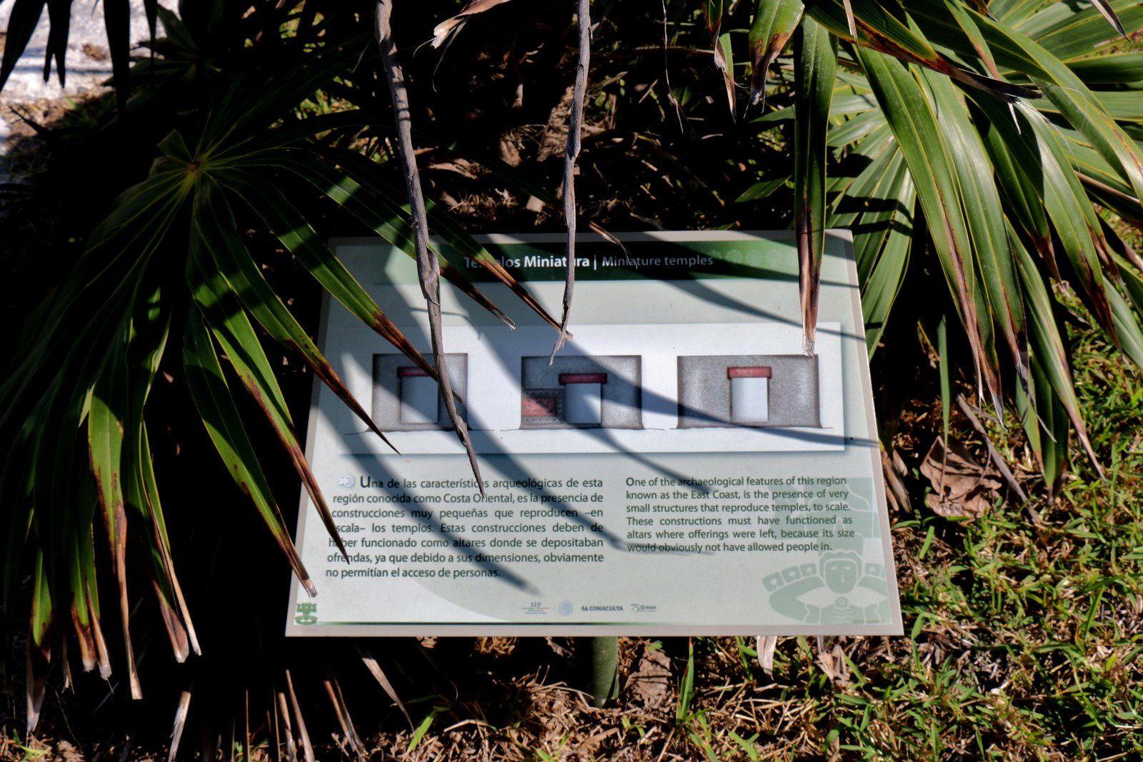 Temple miniature, site archéologique de Tulum (Mexique)