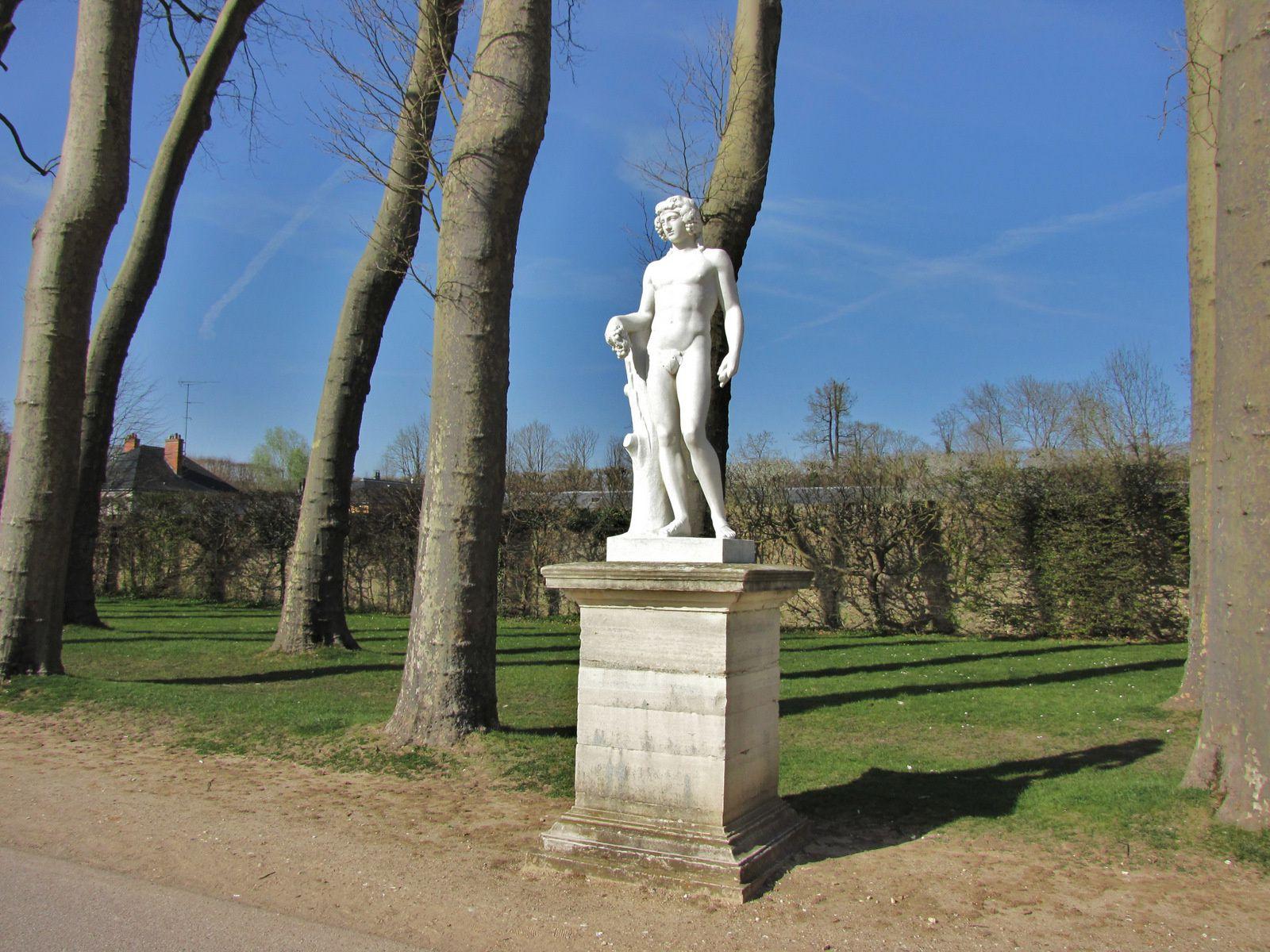 Bacchus par Jean-Louis Grégoire, allée Apollon du parc de Versailles