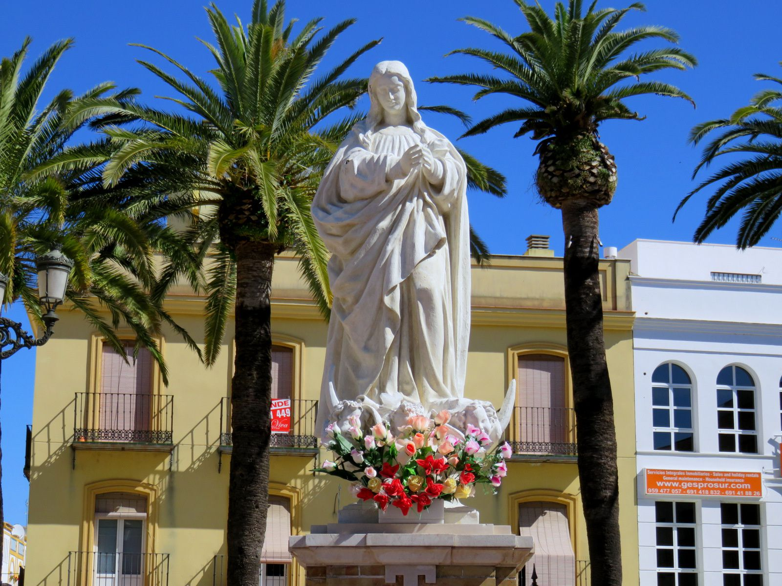 Ayamonte (Andalousie), fontaine et Immaculée Conception
