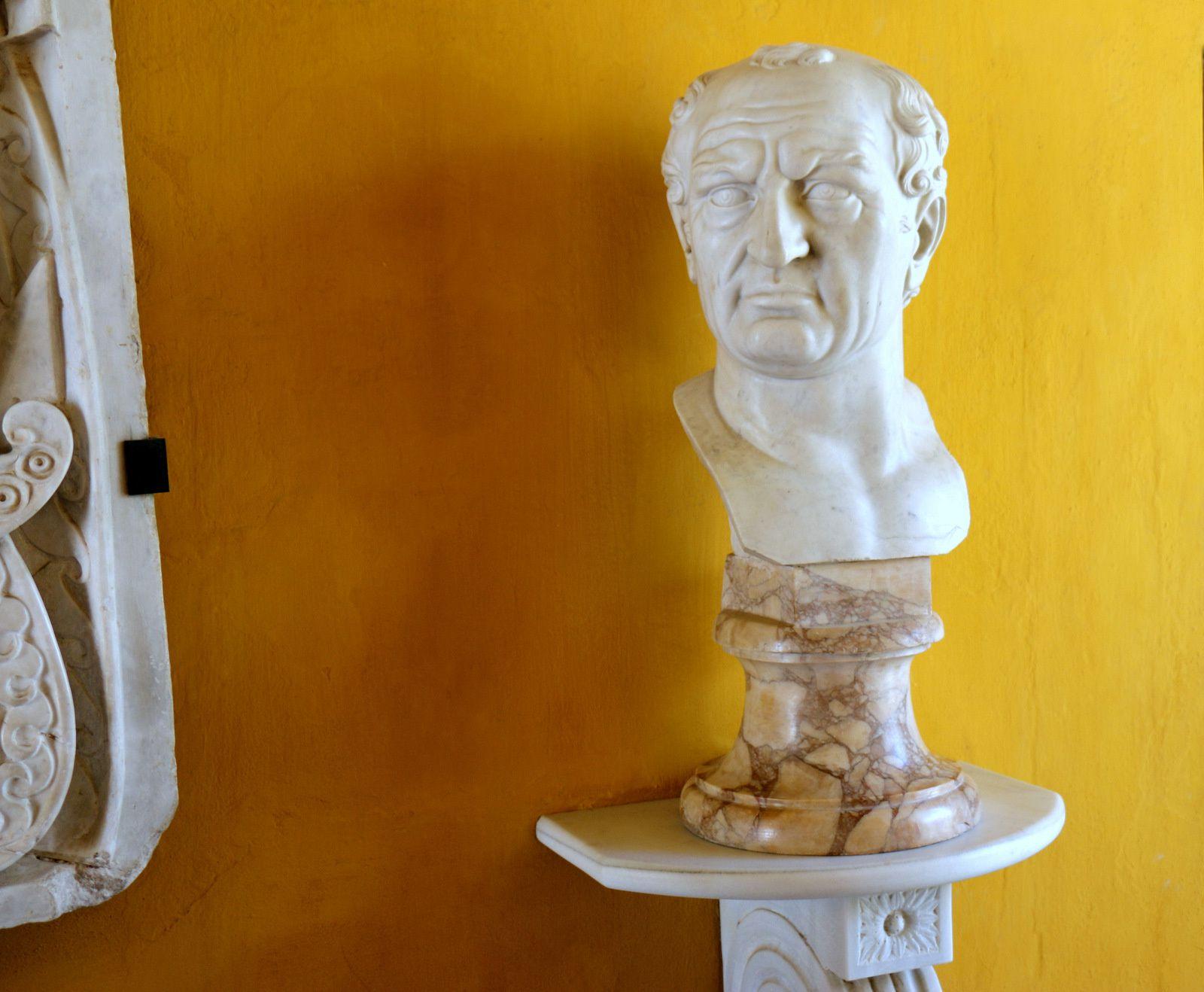 Buste romain en marbre