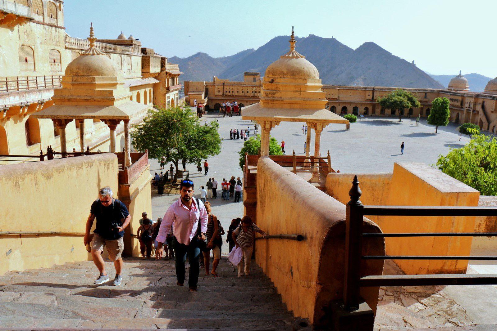 Singh Pol (Porte du Lion) et Diwan-i-Aam (salle d'Audience publique), fort d'Amber